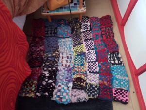 Rassemblement de Tawashi pour en faire un tapis.