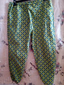Pantalon adulte avec Patron d'un autre pantalon, élastiques en bas du pantalon - 2 poches - Coton